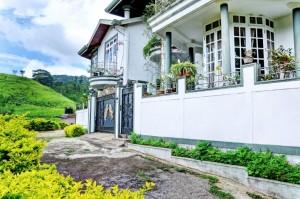 kandyan-view-holiday-villa-1